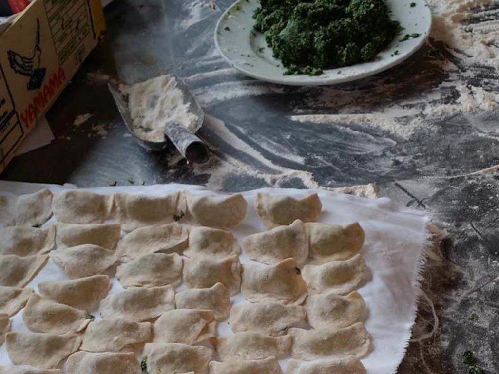 Spinatspazeln, Kasknödel und Schlutzer sind typische Südtiroler Speisen im Gasthof Wendlandthof in Bozen